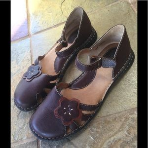 Born Mary Jane Brown Flower Shoes Earthy Sz 8.5